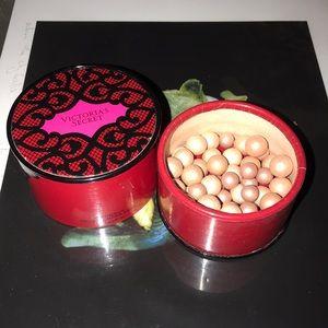 VS illuminating pearls ($35 new)